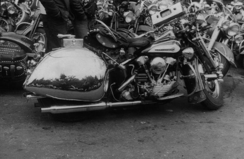 Les vieilles Harley....(ante 84) par Forum Passion-Harley - Page 6 10496212