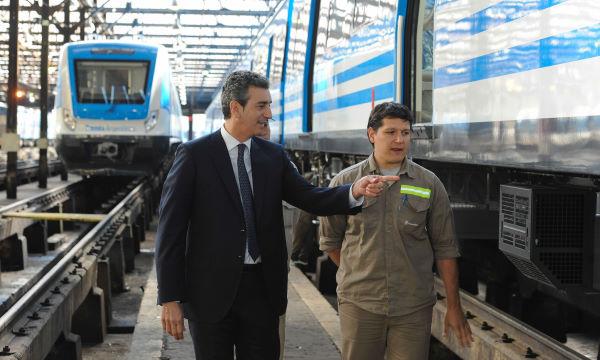 Pruebas por los nuevos trenes de la Línea Mitre 00181