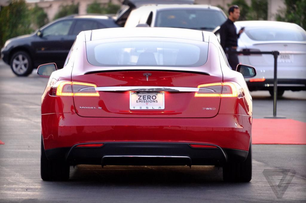 2009 - [Tesla] Model S Sedan - Page 11 Tesla_12