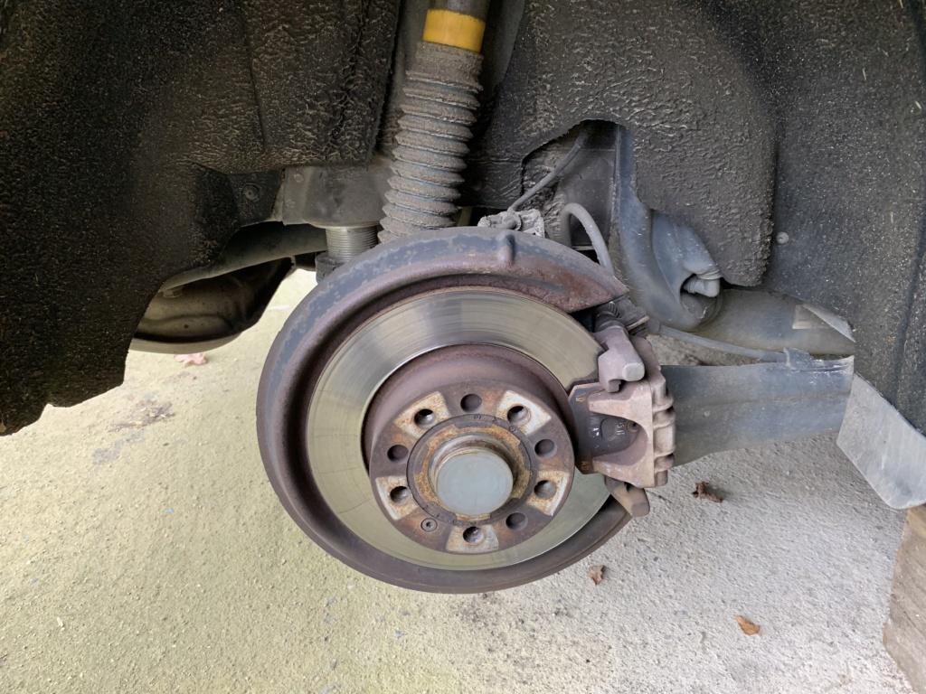 Changement disques et plaquettes de freins AV/AR Arrier10