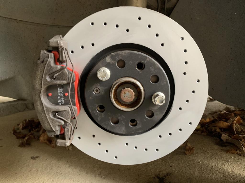 Changement disques et plaquettes de freins AV/AR Avant_10