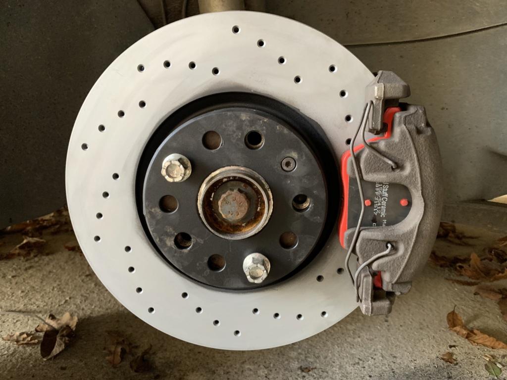 Changement disques et plaquettes de freins AV/AR Avant_13