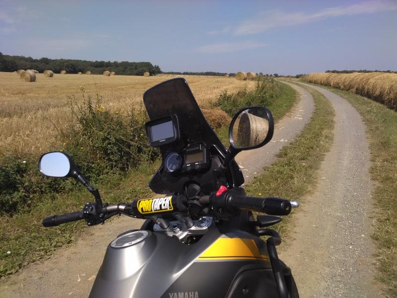 Vos plus belles photos de moto - Page 38 Img_2012