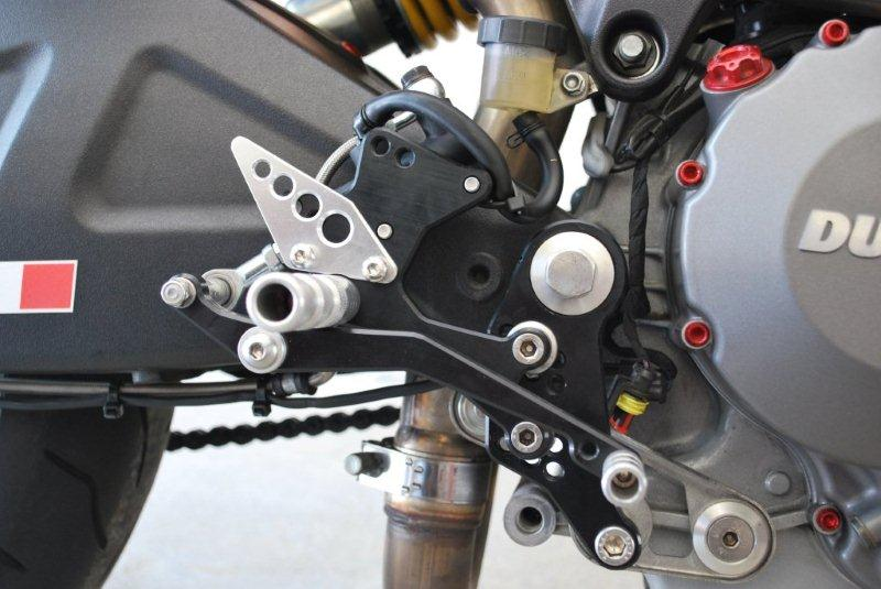 Commandes reculées (CNC, Valtermoto, Rizoma, WRS, Ducabike, Woodcraft, Gilles Tooling, ...) - Page 2 1210