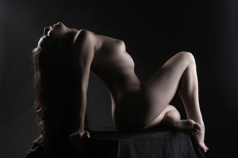 Fotografia nud - arta sau pornografie? - Pagina 4 Nude_b10