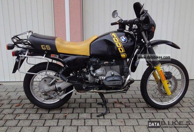 un model noir et jaune  Bmw_r110