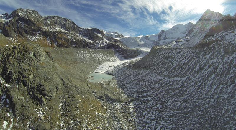 Barrage et Glacier de Moiry G0015310