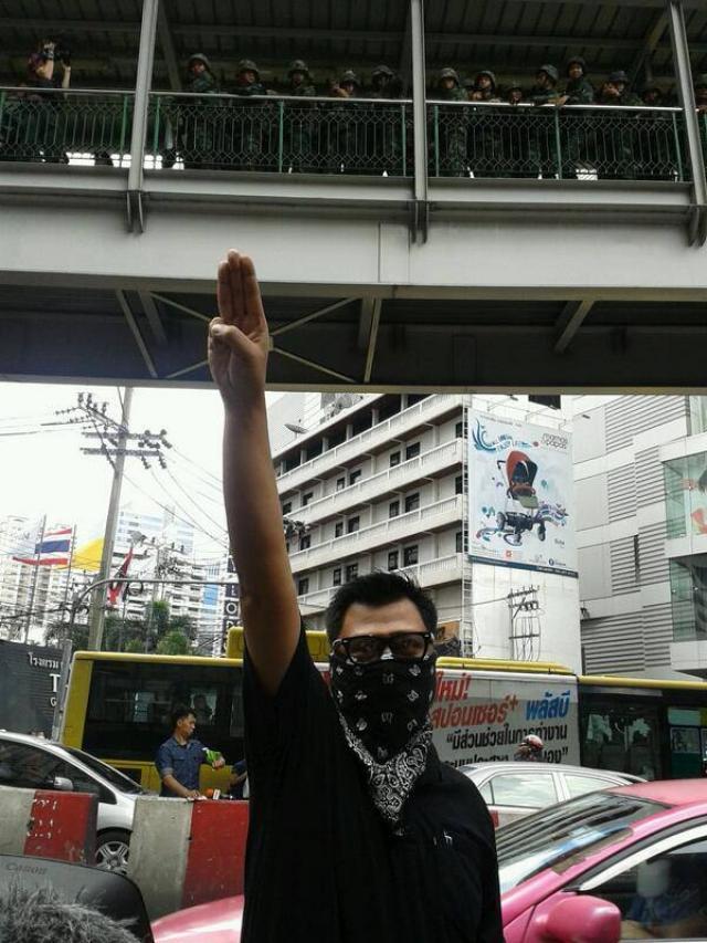 Loi martiale en Thailande H10