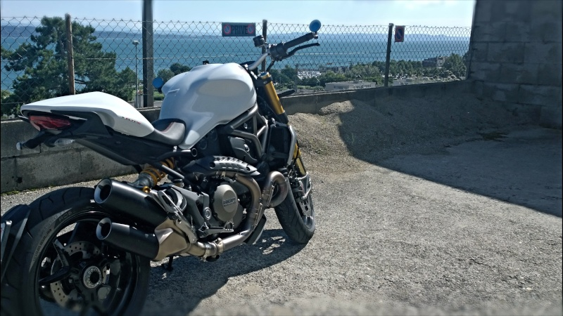 M1200s blanche Wp_20121