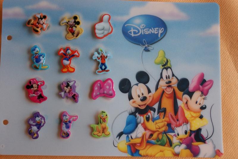 Pin's Disney dans les magasins Carrefour Belgique Dsc03413
