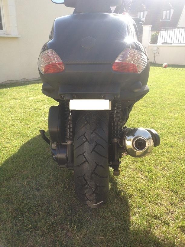 Pneu Michelin : Un bigomme scooter pour 2012 - Page 2 Pneu_111