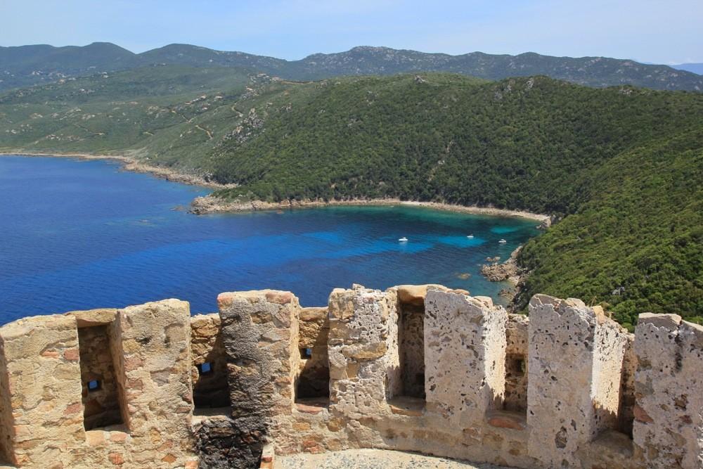 Les Tours Génoises du littoral Corse - Page 2 Img_0918