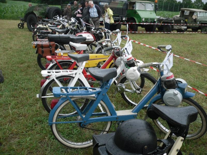 Rassemblement véhicules anciens à la Chaize le Vicomte le 13 juillet 2014 Chaize10