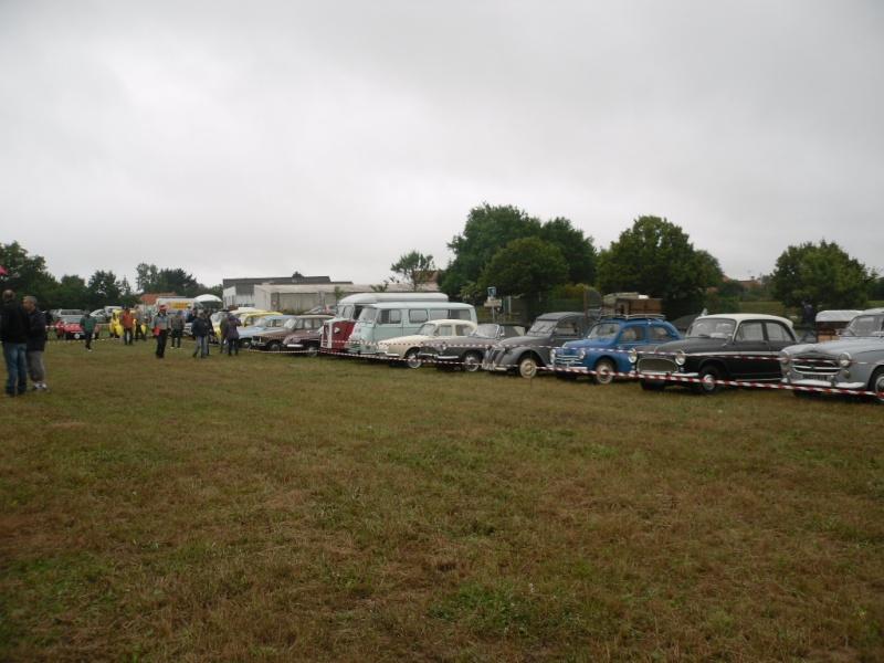 Rassemblement véhicules anciens à la Chaize le Vicomte le 13 juillet 2014 Chaize13