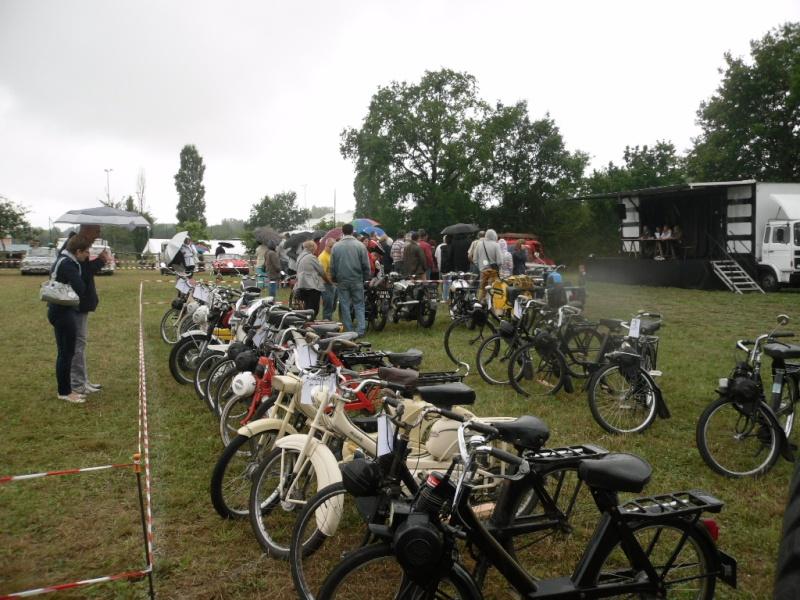 Rassemblement véhicules anciens à la Chaize le Vicomte le 13 juillet 2014 Chaize14