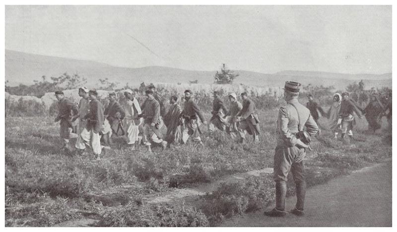 HUBERT-JACQUES : Les journées sanglantes de fez, avril 1912. - Page 11 A_000_13