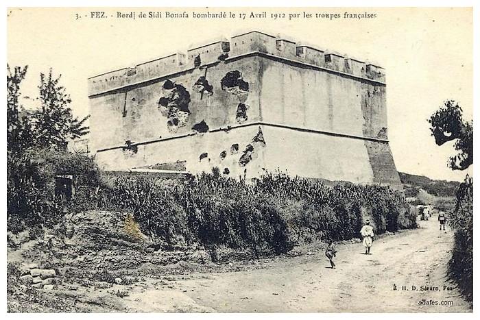HUBERT-JACQUES : Les journées sanglantes de fez, avril 1912. - Page 4 Bascan42