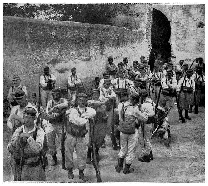HUBERT-JACQUES : Les journées sanglantes de fez, avril 1912. - Page 6 Bscan_17