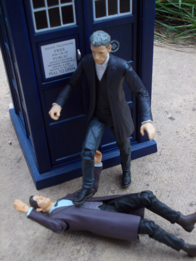 Doctor Who Figures - Page 2 Dscn4117
