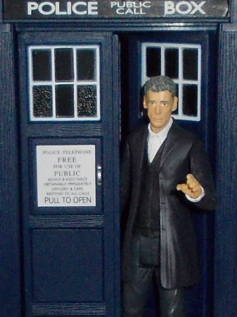 Doctor Who Figures - Page 2 Rscn4112