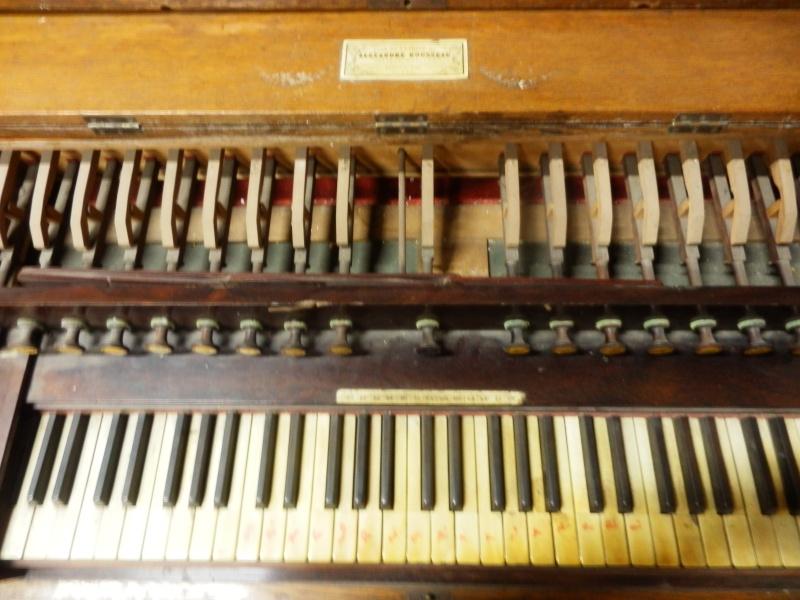 Harmonium Rousseau (ancien) P5192012