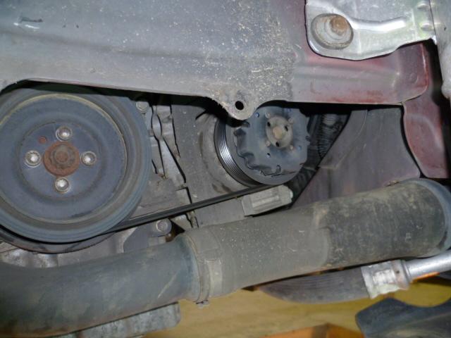 Remplacement alternateur Dodge Caliber 2.0 CRD P1010712