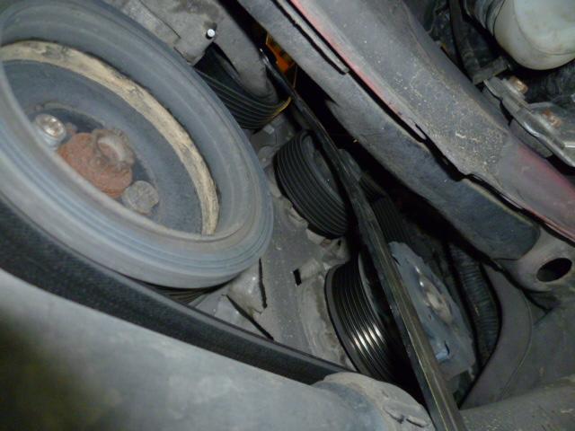 Remplacement alternateur Dodge Caliber 2.0 CRD P1010713