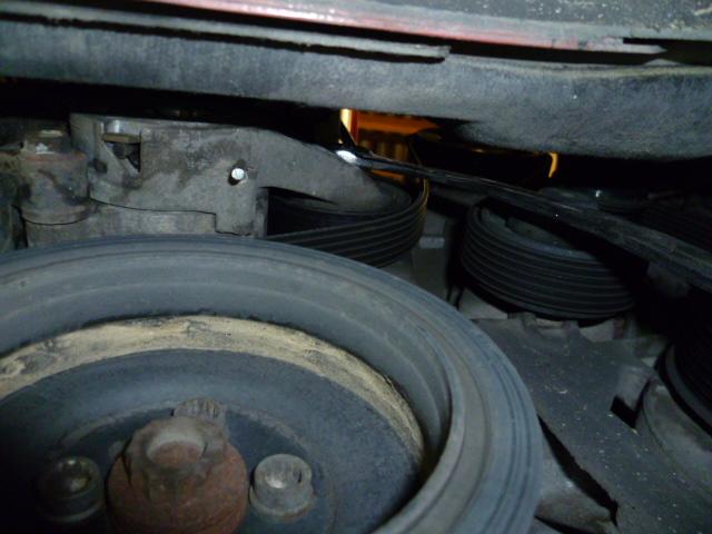 Remplacement alternateur Dodge Caliber 2.0 CRD P1010714