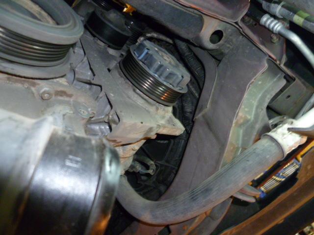 Remplacement alternateur Dodge Caliber 2.0 CRD P1010716