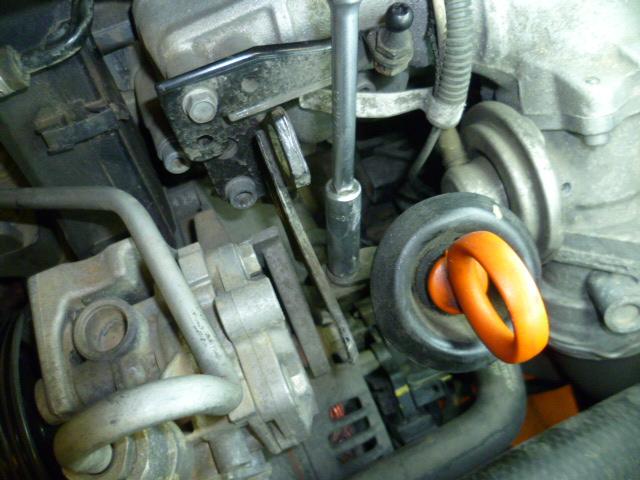 Remplacement alternateur Dodge Caliber 2.0 CRD P1010721