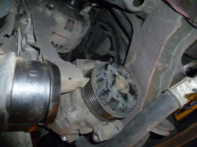 Remplacement alternateur Dodge Caliber 2.0 CRD P1010724