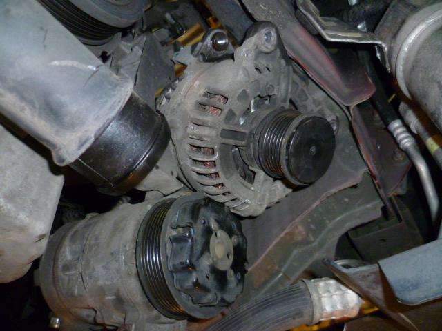 Remplacement alternateur Dodge Caliber 2.0 CRD P1010730