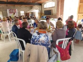 Pique-nique inter cafés polyglottes le samedi 28 juin 2014 (Souvenirs de la journée) P1000818