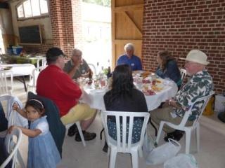 Pique-nique inter cafés polyglottes le samedi 28 juin 2014 (Souvenirs de la journée) P1000825