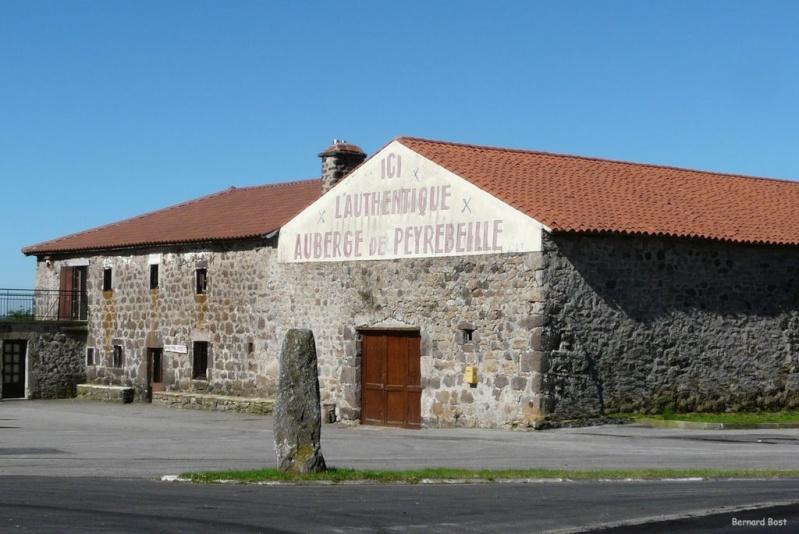 L'auberge rouge de Peyrebeille, Lanarce, Ardèche - France Aub110
