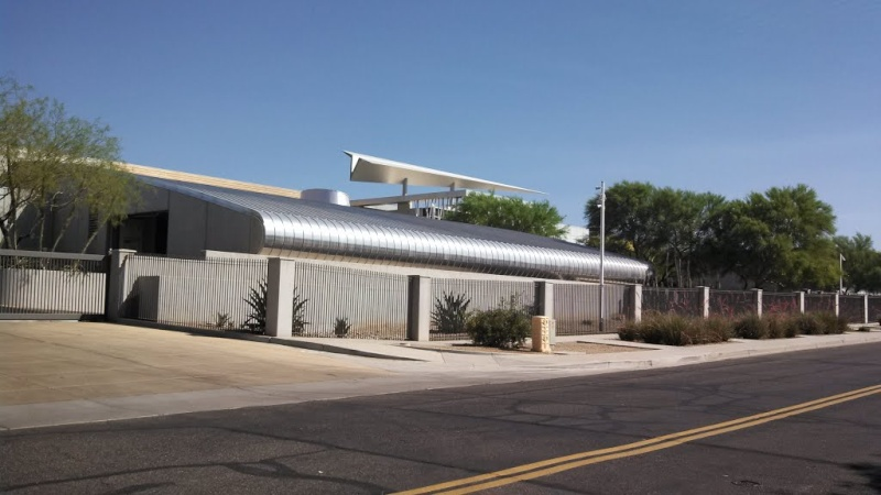Avion en Papier à l'aéroport de Scottsdale, Arizona - USA Avi110