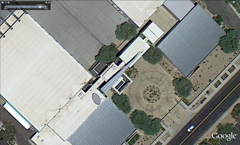 Avion en Papier à l'aéroport de Scottsdale, Arizona - USA Avi210