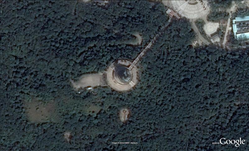Les statues de Bouddha découvertes dans Google Earth B210
