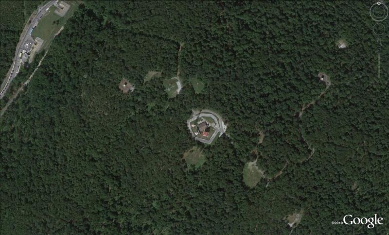 Les services secrets dans le monde épiés avec Google Earth - Page 2 Buk10