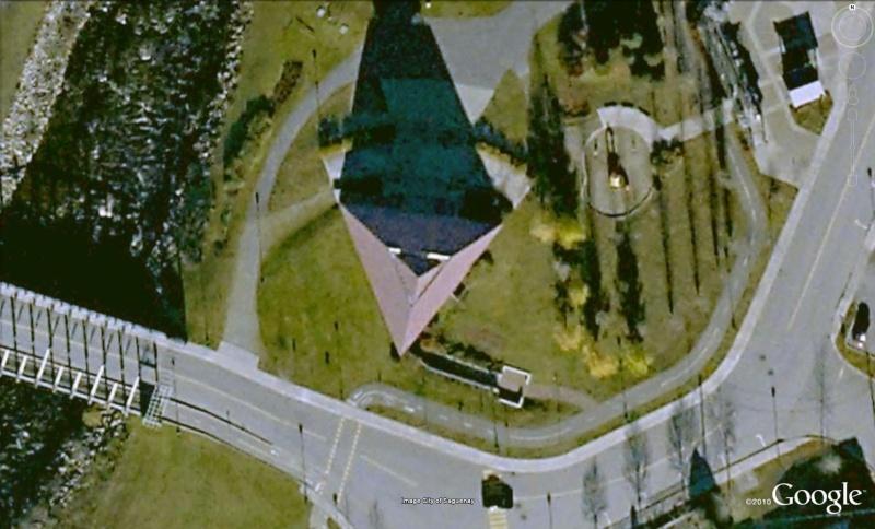 Pyramide des Ha! Ha!, la Baie, Québec - Canada Ha210