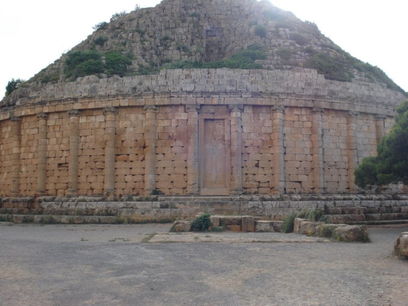 Tombeau de la chrétienne Tipasa Algérie Medra110