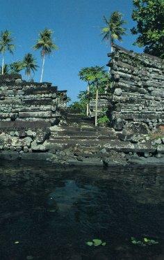 Nan Madol, ancienne capitale des Saudeleurs, Ile Ponape (ou pohnpei) - Micronésie Nan310