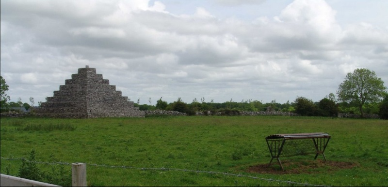 Pyramide de Neale Irlande Py110