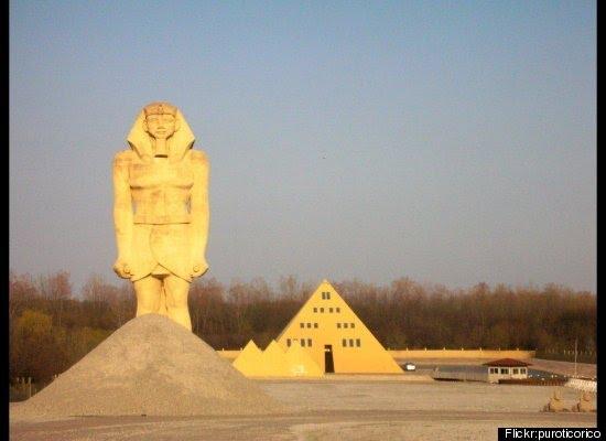 Pyramide à Wadsworth, Illinois - USA Pyr110