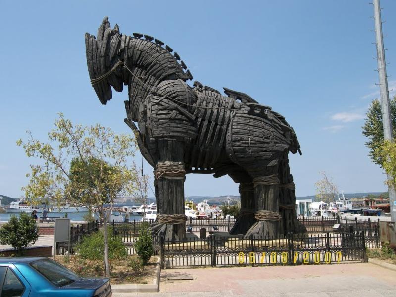 Cheval de Troie à Canakkale - Turquie Troie210