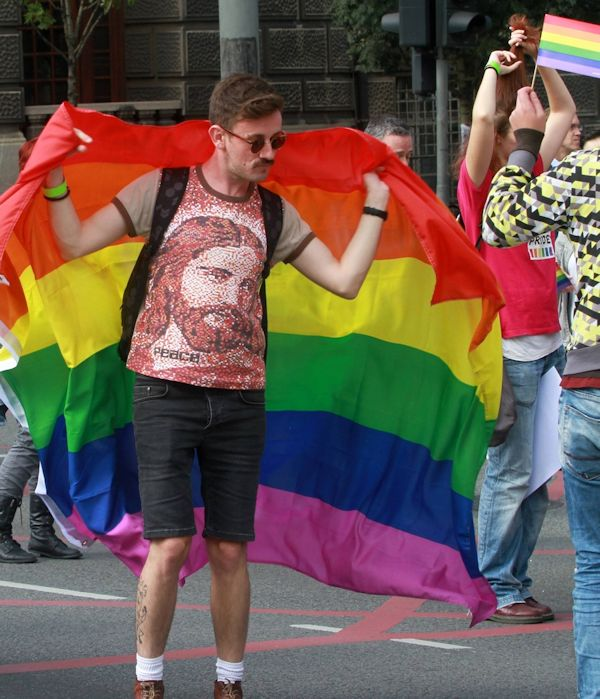 LGBTIQ AGENDA - Page 3 Bg-par10