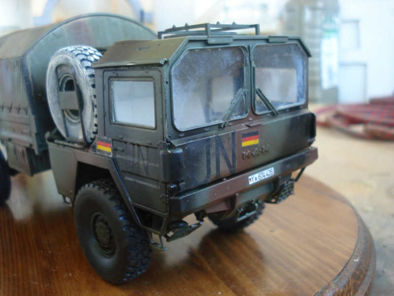 camion MAN 1/35 MARQUE REVELL  Dsc08312