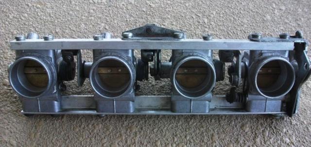 Leaky Intakes - rough running Dscf1814
