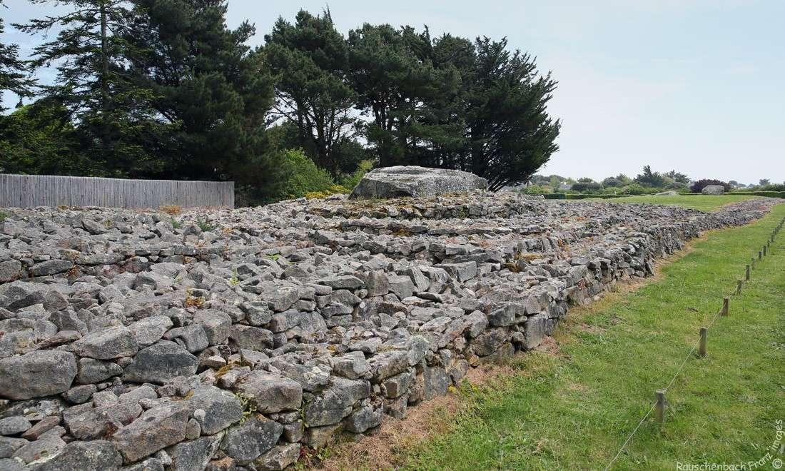Les sites mégalithiques de Locmariaquer Table_11