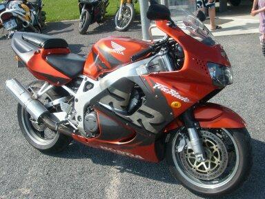 faites la liste de toutes les motos que vous avez possédé! - Page 3 13424410